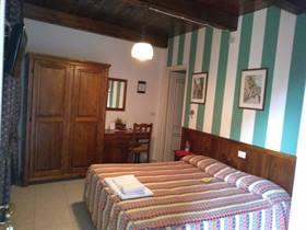 camera doppia matrimoniale con accesso riservato nel Saluzzese