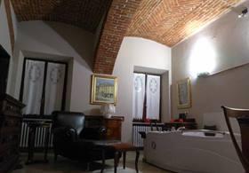 Suite con idromassaggio per notti romantiche a Cuneo